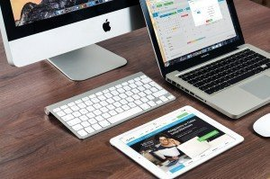 macbook-606763_1280