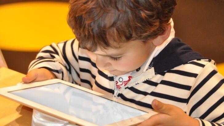 Dziecko w Internecie – jakie czyha na niego niebezpieczeństwo